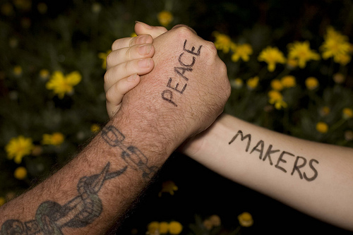 peace-makers-hands