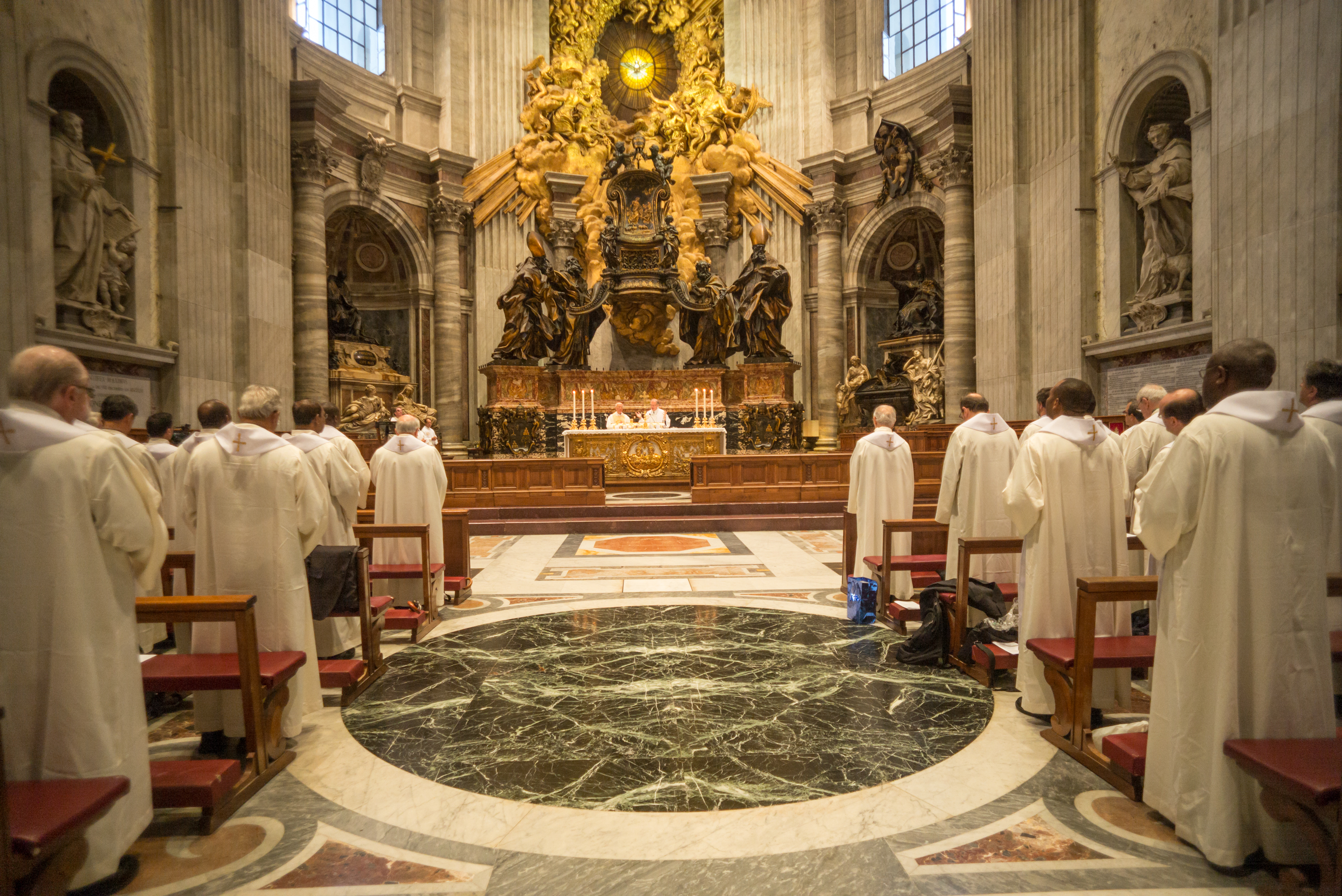 GC36 Mass at the Vatican in the chapel of the Cathedra or chair. Adolfo Nicolás, celebrant is Bienvenido F. Nebres, SJ, of the Philippines.